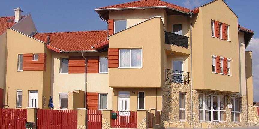Hatlakásos társasház, Dunakeszi (2008)